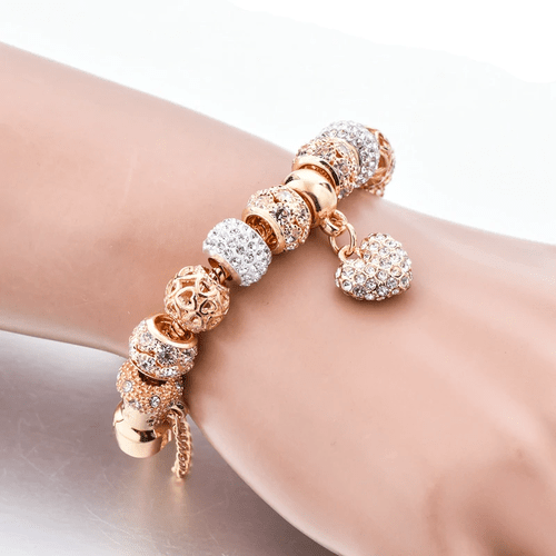 DIAZ – Heart Charm Bracelet Clearance Brand Name: ATTRACTTO